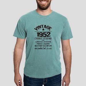 VINTAGE 1952-LIVING LEGEND T-Shirt