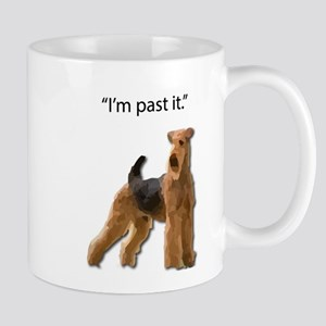 Airedale Terrier Doesn't want to live in the Mugs