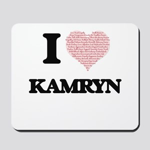 I love Kamryn (heart made from words) de Mousepad