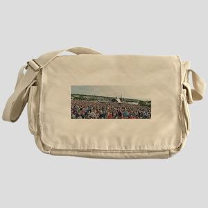 GLASTONBURY Messenger Bag