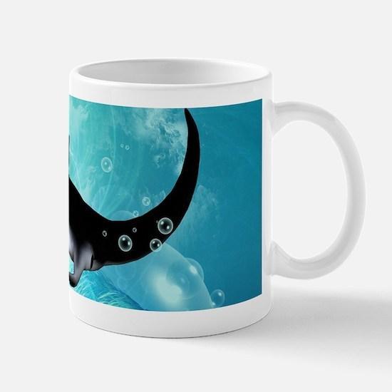 Awesome swimming manta Mugs