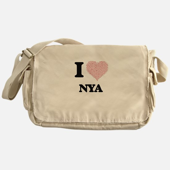 I love Nya (heart made from words) d Messenger Bag
