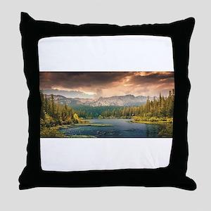 scenic lake of wonder Throw Pillow