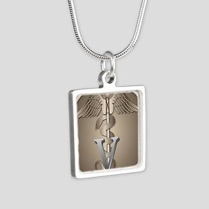 vet_gp Necklaces