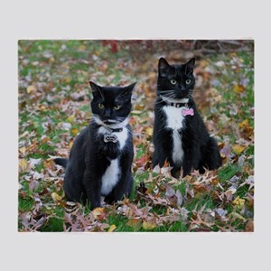Kitties-sisters calendar 5 Throw Blanket
