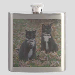 Kitties-sisters calendar 5 Flask