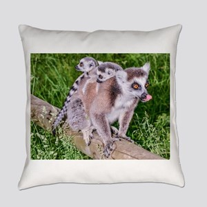 RING TAILED LEMUR MOTHER AND BABIE Everyday Pillow