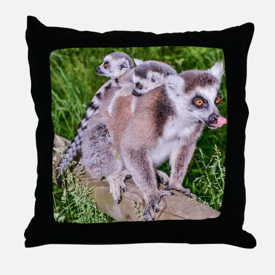 RING TAILED LEMUR MOTHER AND BABIES Throw Pillow