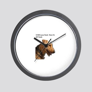 Airedale Terrier takes control of your Wall Clock