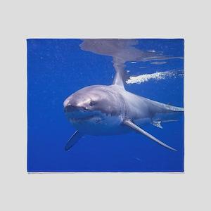 GREAT WHITE SHARK 4 Throw Blanket