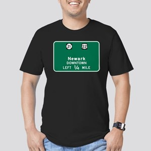 Newark, NJ Highway Sign Men's Fitted T-Shirt (dark