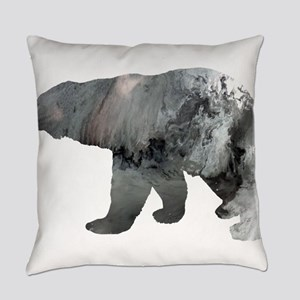Polar bear Everyday Pillow