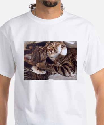 Cute kittens hugs and kisses T-Shirt