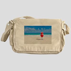 daiquiri paradise beach Messenger Bag