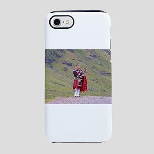 Lone Scottish bagpiper, High iPhone 8/7 Tough Case