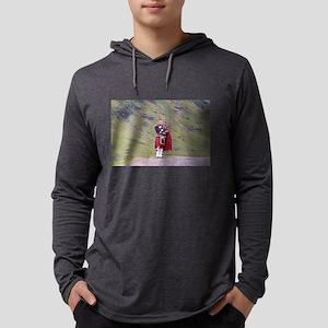 Lone Scottish bagpiper, Highla Long Sleeve T-Shirt