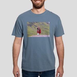 Lone Scottish bagpiper, Highlands, Scotlan T-Shirt