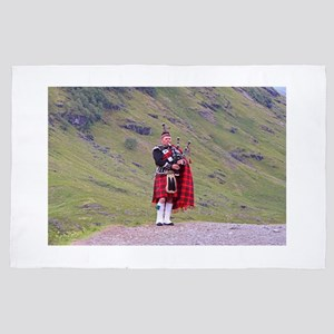 Lone Scottish bagpiper, Highlands, Sco 4' x 6' Rug