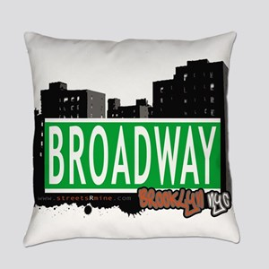 Broadway, BROOKLYN, NYC Everyday Pillow