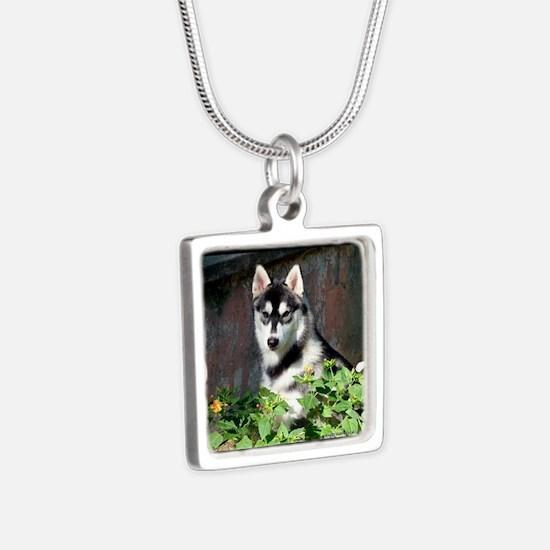 Alaskan Malamute Dog Outside Necklaces