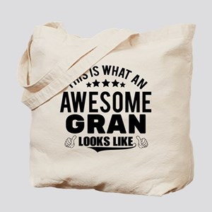 THIS IS WHAT AN AWESOME GRAN LOOKS LIKE Tote Bag