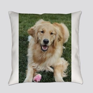 Nala the golden retroever dog Everyday Pillow
