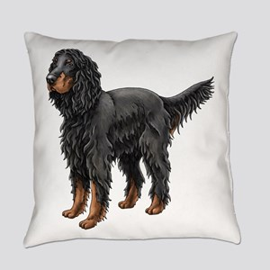 Gordon Setter Standing Everyday Pillow