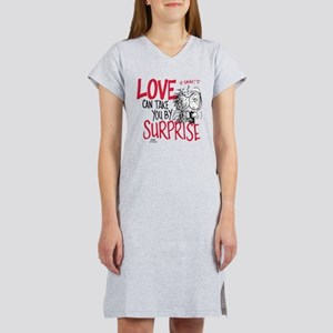 Peanuts - Surprise Love Women's Nightshirt