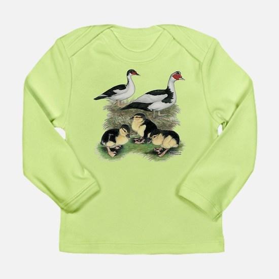 Muscovy Ducks Black Pied Long Sleeve T-Shirt