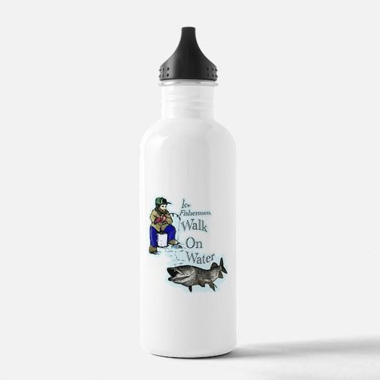 Ice fishing muskie Sports Water Bottle