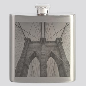Brooklyn Bridge New York City close up archi Flask