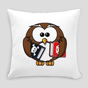 Studious Owl Everyday Pillow