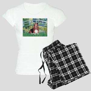 PILLOW-Bridge-Basset1 Women's Light Pajamas