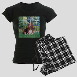 PILLOW-Bridge-Basset1 Women's Dark Pajamas