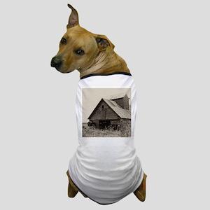 Old Iowa Farm Barn Dog T-Shirt