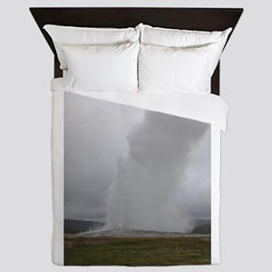 Old Faithful Geyser Yellowstone Nation Queen Duvet