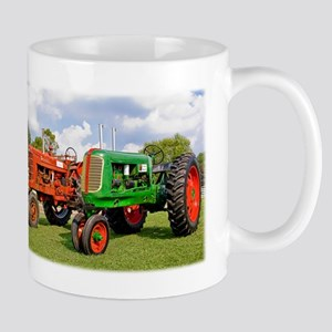 Vintage tractors red and green Mugs