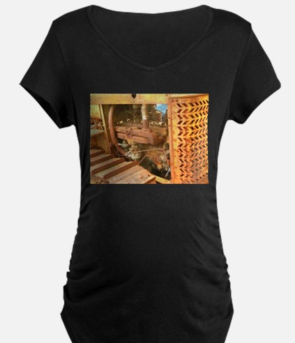 tractor up close Maternity T-Shirt