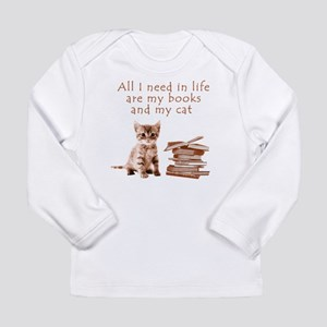 Cats and books Long Sleeve T-Shirt