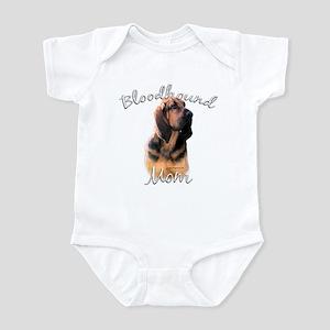 Bloodhound Mom2 Infant Bodysuit
