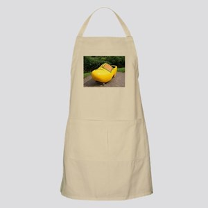 Giant yellow clog, Holland Apron
