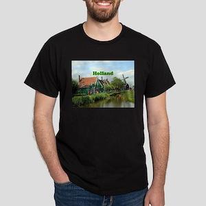 Holland: Dutch windmill village T-Shirt