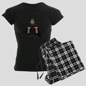 Black Labs Kissing Mistletoe Pajamas
