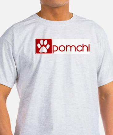 Pomchi (dog paw red) T-Shirt