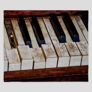 Vintage Piano King Duvet