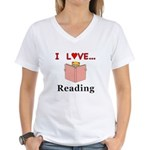 I Love Reading Women's V-Neck T-Shirt