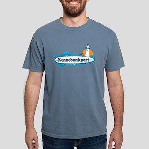 Kennebunkport ME - Surf Design. T-Shirt