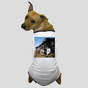Tobacco Barn Dog T-Shirt