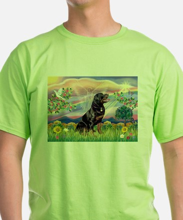 Cloud Angel with Rottweiler T-Shirt