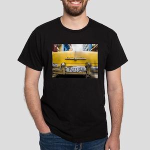 Vintage car Havana Cuba T-Shirt